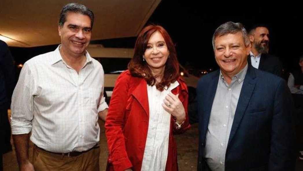 Les corrieron el arco: el gobernador de Chaco cambió la fecha de las elecciones provinciales y la oposición presentó un amparo