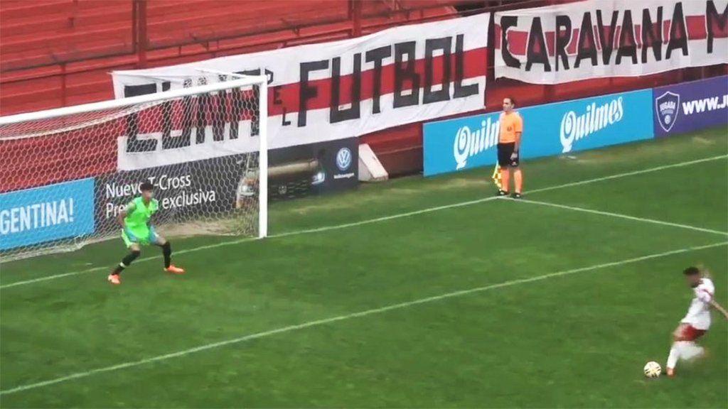 River le ganó la final de la Cuarta División a Boca por penales tras un polémico fallo del línea