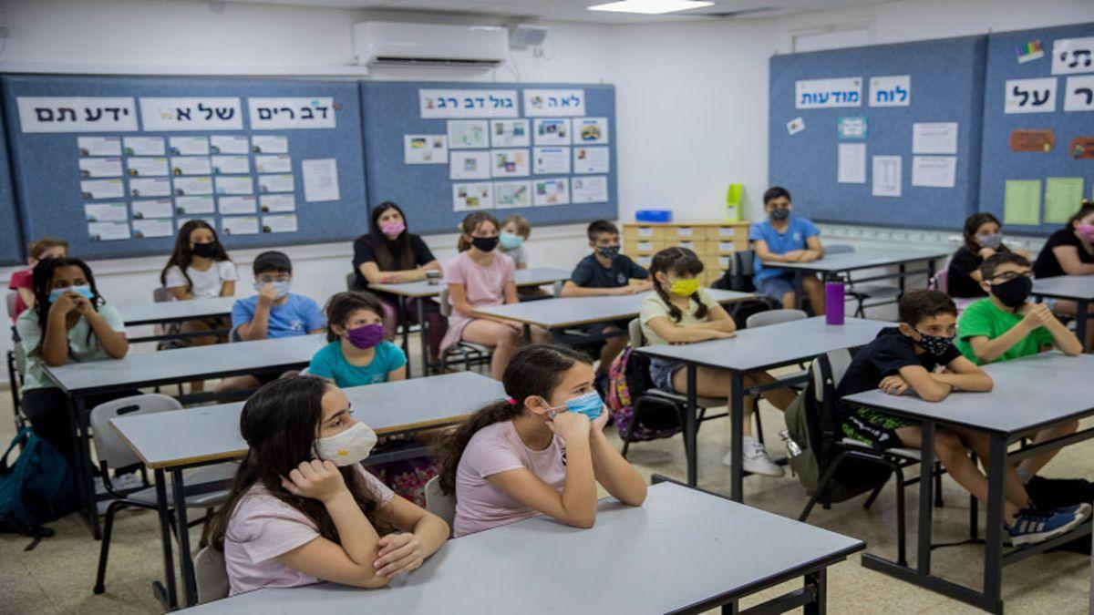 Vuelven los barbijos en algunas escuelas de Israel por temor a la variante Delta del coronavirus (Foto: Gentileza Times of Israel).
