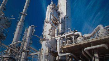 La industria química creció en enero un 5% en ventas, pero la producción cayó 11%