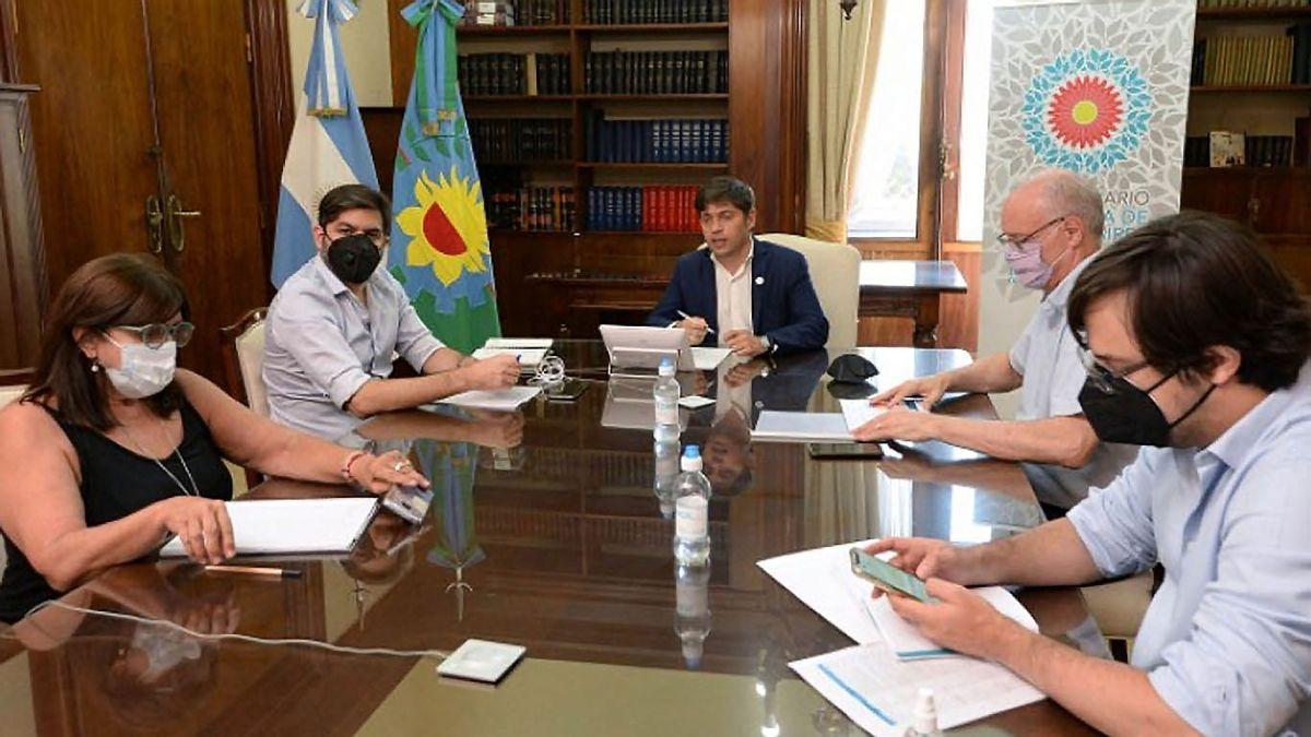 Todo el gabinete bonaerense le presentó la renuncia al gobernador Axel Kicillof. (Foto: archivo)