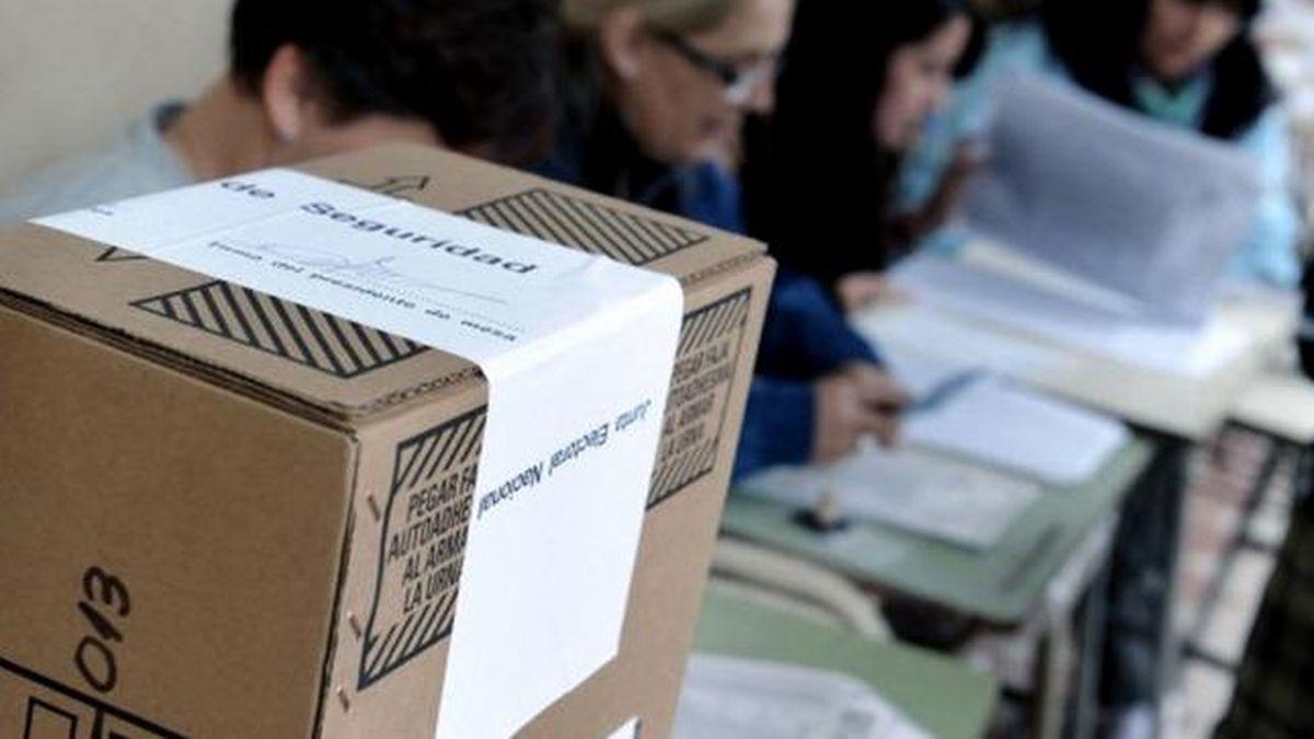 El pedido de vacunas y medidas de protección por parte de las autoridades electorales viene desde principios de año y fue elevado tanto al Ministerio del Interior como a la cartera de Salud.