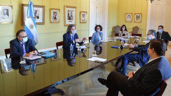 La última reunión del Gabinete Económico en Casa Rosada: Se decidieron las nuevas medidas de ayuda económica anunciadas esta semana en medio de la confrontación por las clases presenciales con Rodríguez Larreta. (Foto: Presidencia)