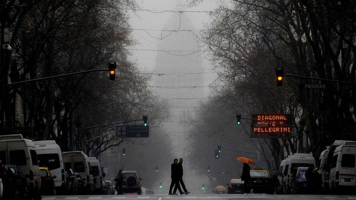Diluvia en Capital Federal y Provincia de Buenos Aires y hay alerta por tormentas fuertes con caída de granizo