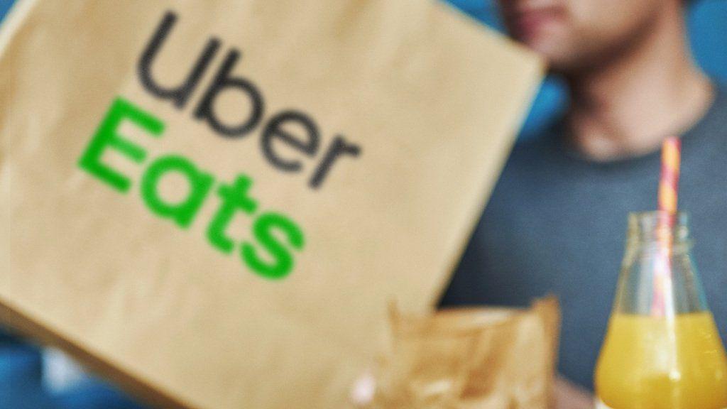 El delivery de comida de Uber va a empezar a funcionar primero en el conurbano