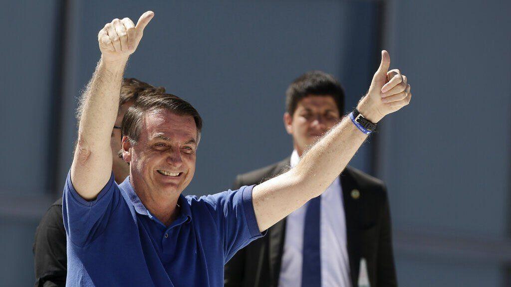 La justicia brasileña investiga si Bolsonaro presentó todos los testeos de COVID-19 a los que fue sometido