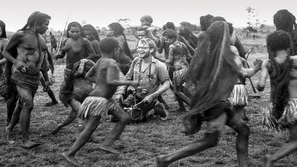 Michael Rockefeller: su fatídico destino y una muerte misteriosa devorado entre caníbales y cocodrilos