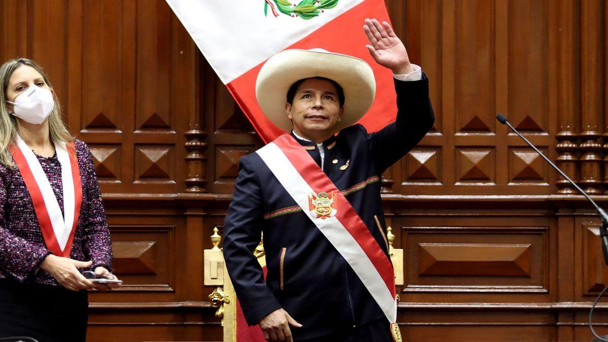 Pedro Castillo asumió con la promesa de cambiar la Constitución del Perú y combatir a la delincuencia (Foto: AP)