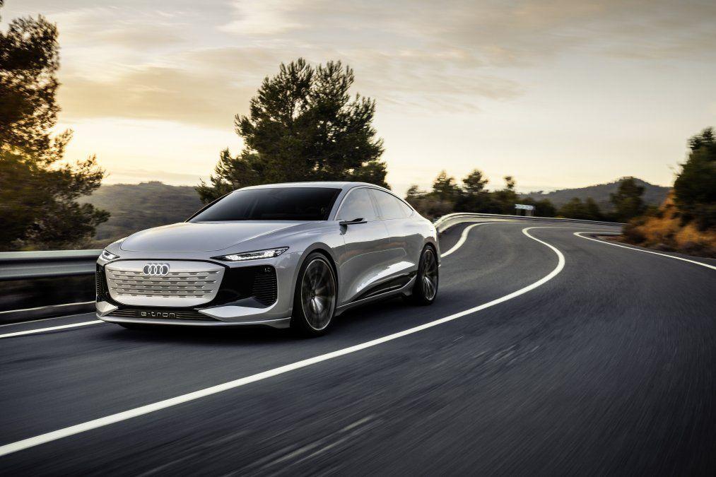 Audi presenta en Shanghái un concept-car de propulsión eléctrica con carrocería Sportback en la clase de lujo. Nueva base tecnológica: Plataforma Eléctrica Premium (PPE) a partir de 2022. Autonomía de más de 700 km
