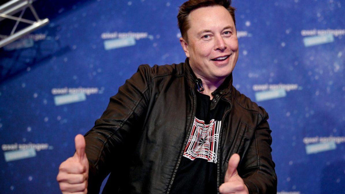 Bitcoin. Elon Musk lo hace de nuevo. Manifestó por redes que Tesla recibiría pagos con la criptomoneda.
