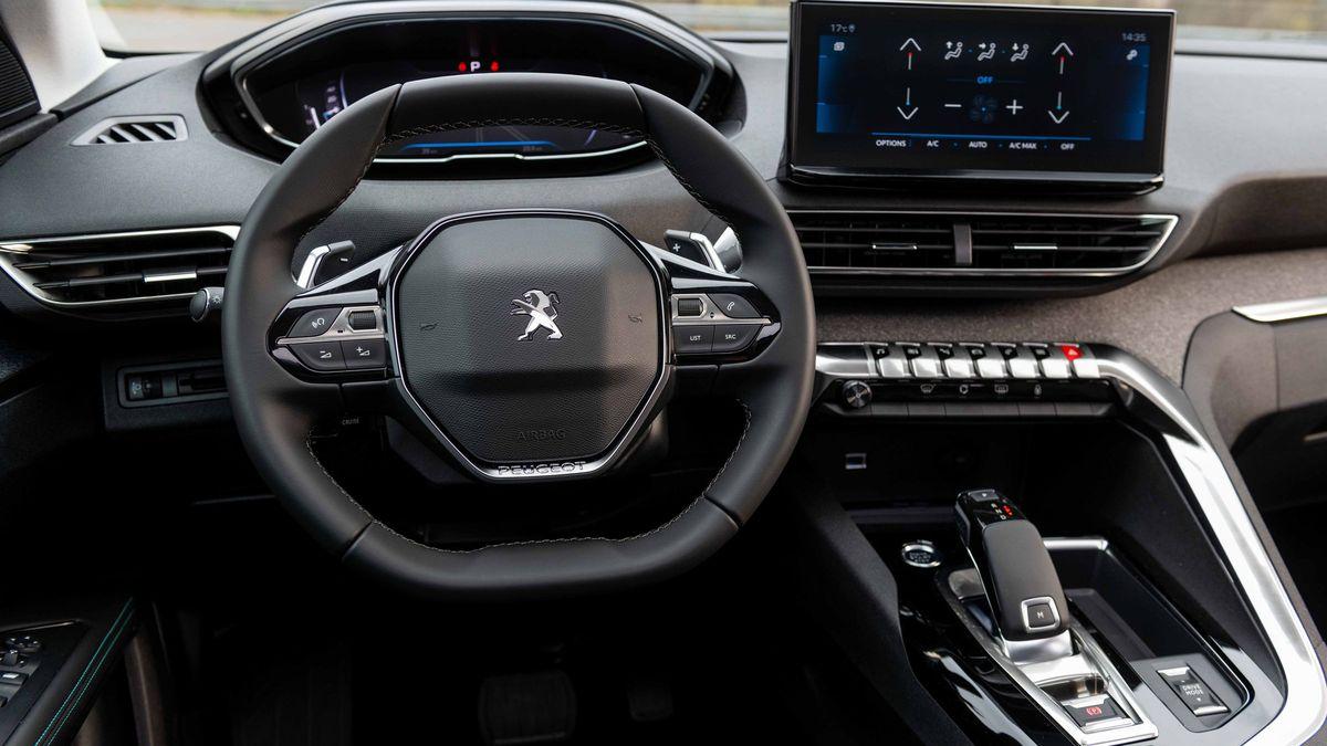 Los nuevos Peugeot 3008 y 5008 dan un nuevo giro al concepto de SUV compacto con la llegada de su nueva generación