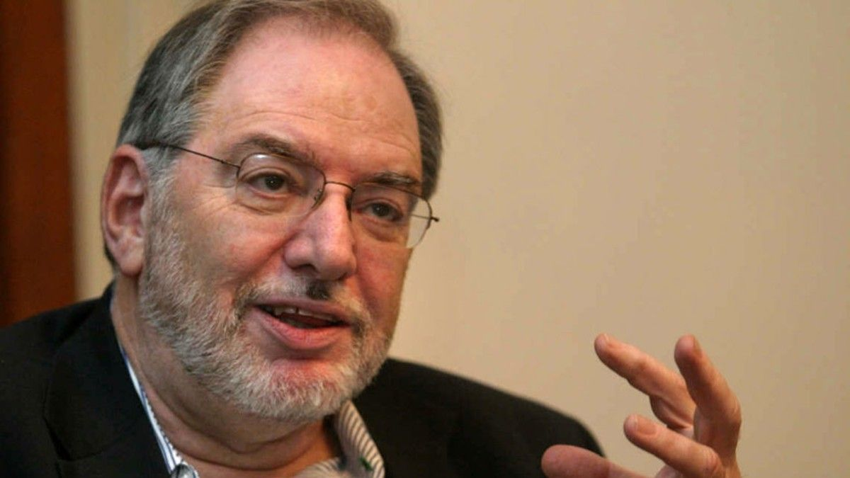 Claudio Loser fue director para el Hemisferio Occidental del Fondo Monetario Internacional (FMI)