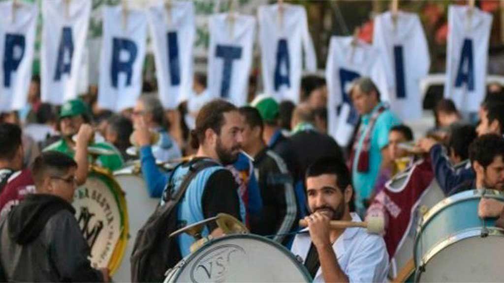 Paritarias y crisis: los dilemas del Gobierno ante la creciente presión gremial por aumentos salariales