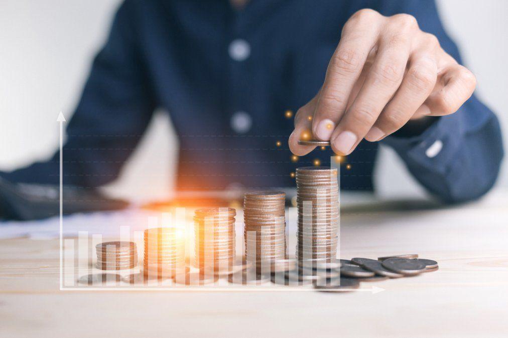 Gastar el dinero únicamente para mejorar la calidad del servicio al cliente vs Gastar en algo fuera de escala para impulsarte a buscar más