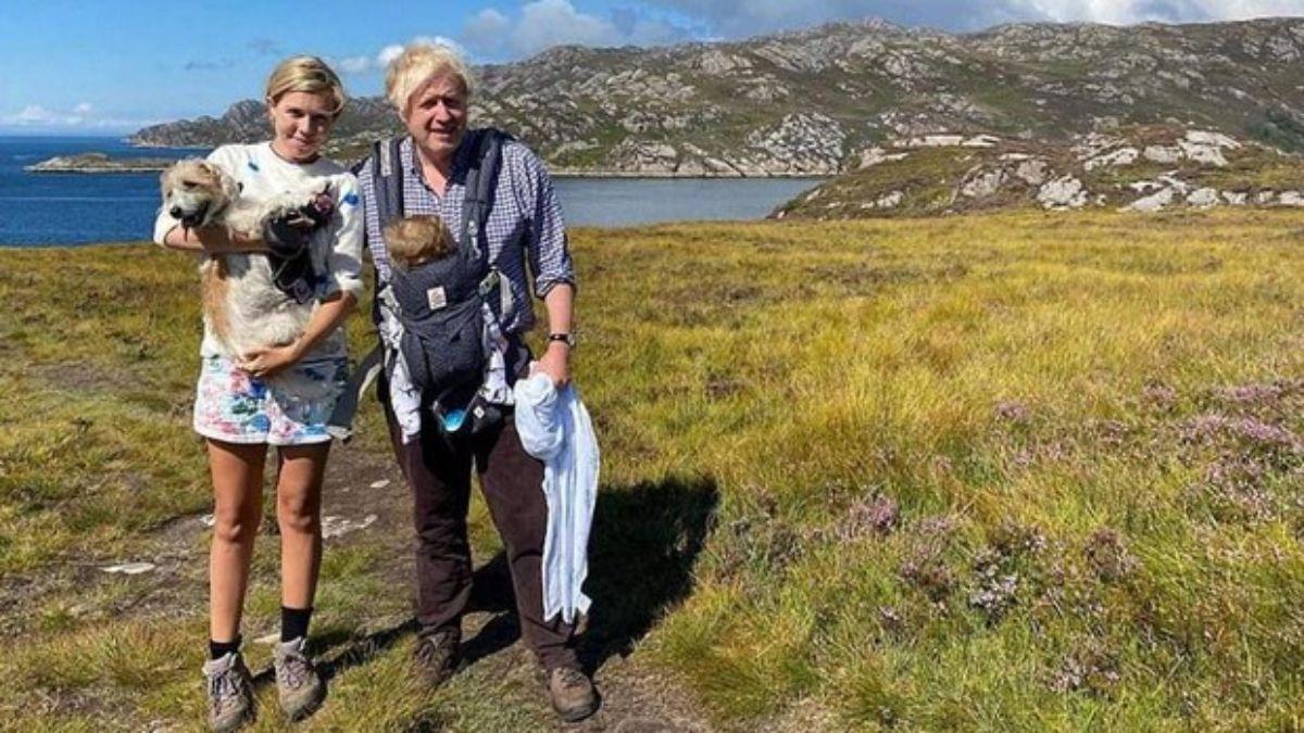 Boris Johnson viajó con su familia a Escocia en 2020 y allí casi muere ahogado