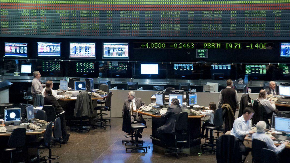 La CNV salió a controlar al dólar Bolsa ¿Cuánto puede durar?