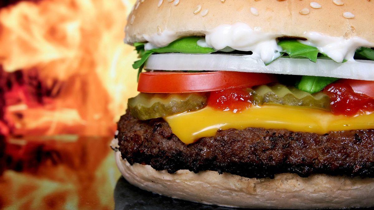 Índice Big Mac: el estándar que impuso The Economist para medir el valor de las monedas.