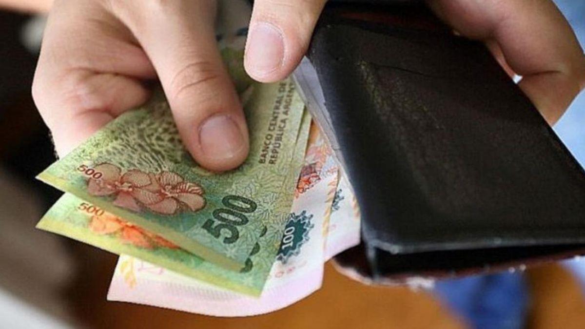 La suba del salario mínimo vital y móvilde septiembre impactará en octubre y será de $29.160