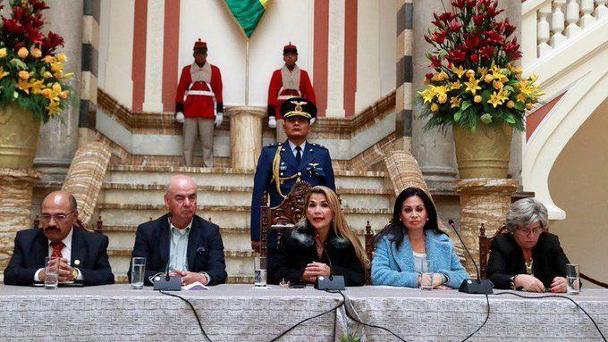 El gobierno de Bolivia rompe relaciones con Venezuela y expulsa a todos sus diplomáticos