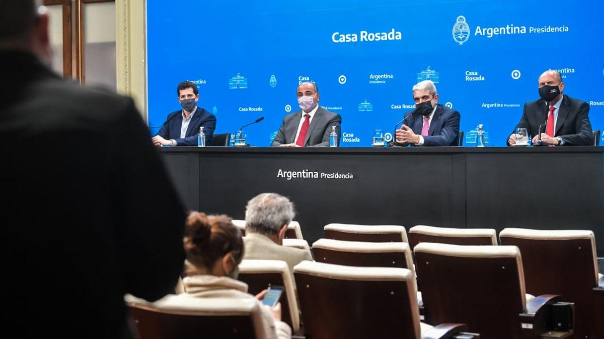 El Gobierno anunció un shock de medidas para controlar la inseguridad en Rosario y analiza reforzar con gendarmes el Conurbano. Foto: Presidencia.