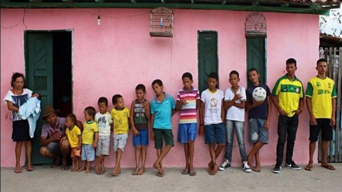 Tiene 14 hijos varones, todos con el nombre de un jugador que empieza con la R y uno de ellos se llama Riquelme