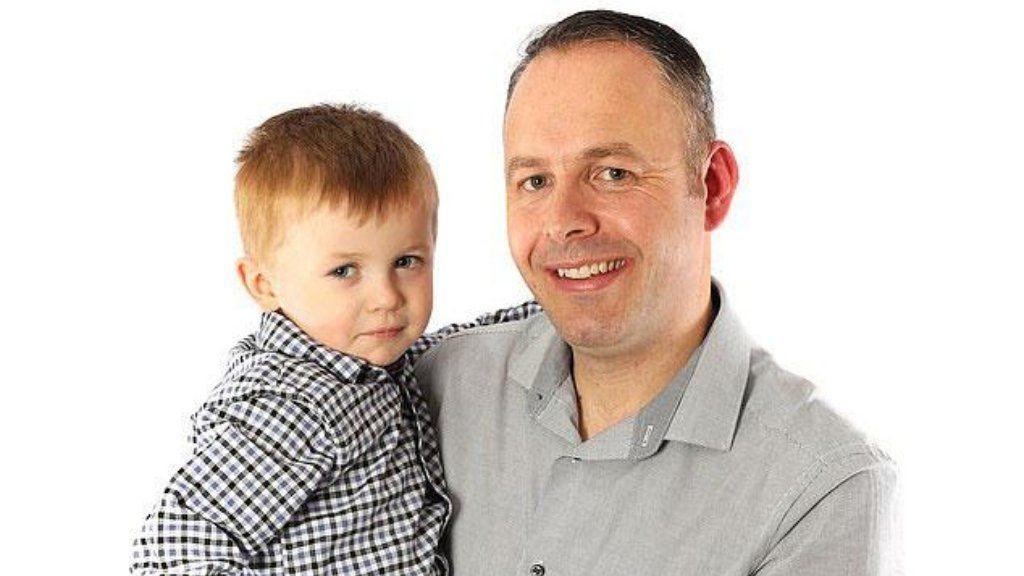 La emotiva historia de un papá que le donó un riñón a su hijo de 4 años