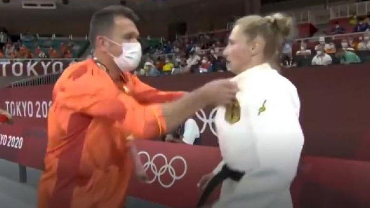 Juegos Olímpicos: El particular aliento de un entrenador alemán a su judoca que generó revuelo en las redes