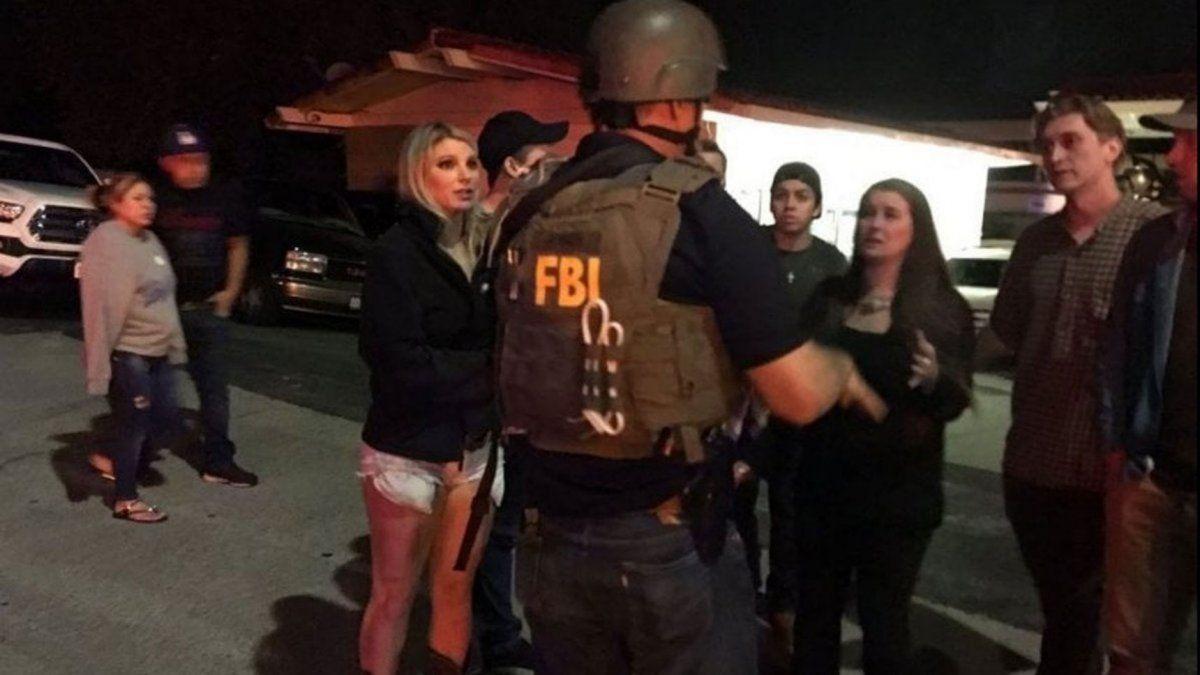 Horror en Los Ángeles: 13 personas murieron en un tiroteo en un bar durante una fiesta de estudiantes universitarios