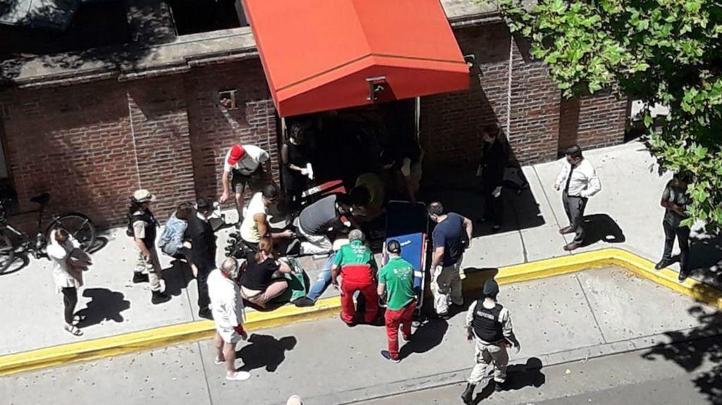 Así robaron y balearon a los turistas ingleses en la puerta de un hotel en Puerto Madero