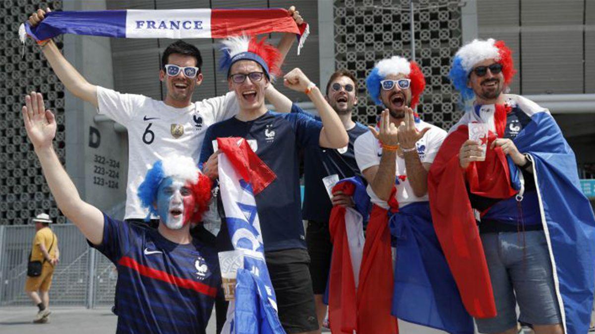 Se confundieron Budapest con Bucarest y no pudieron ver a la Selección de Francia
