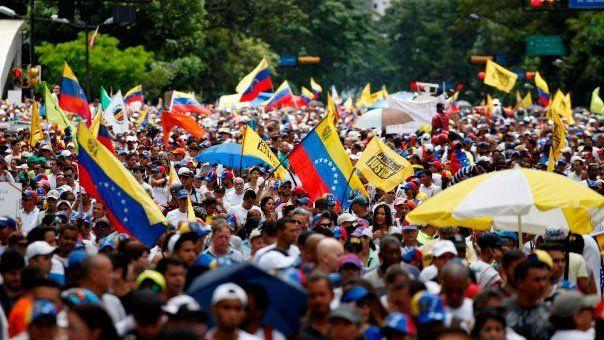 Masivas marchas en Venezuela por la convocatoria #16N