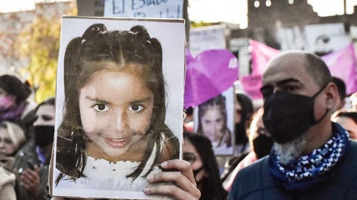 Marcha de familiares y vecinos a un mes de la desaparición de Guadalupe. Fuente: Télam.