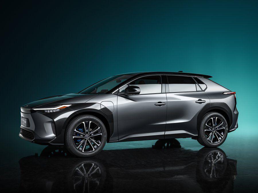 Toyota presentó hoy su prototipo bZ4X en el Salón del Automóvil de Shanghái