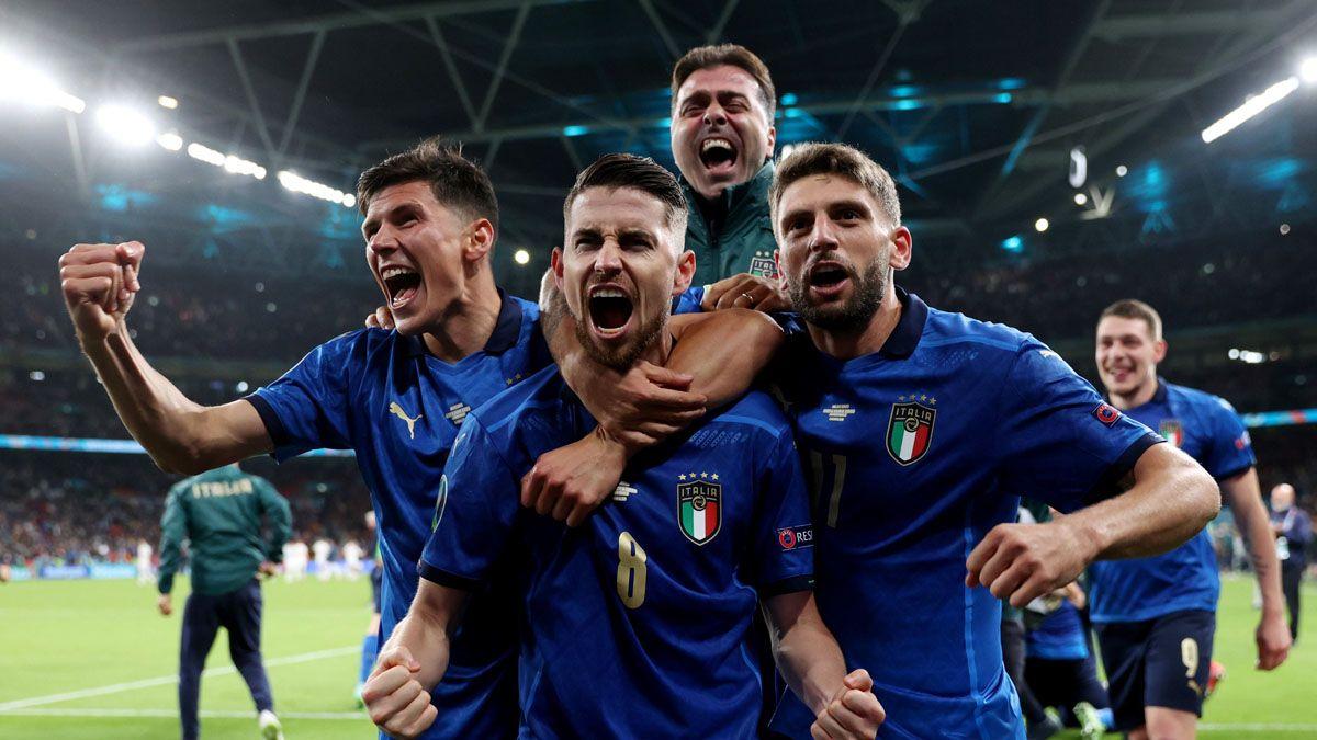 Italia bajó a España y es el primer finalista de la Euro.