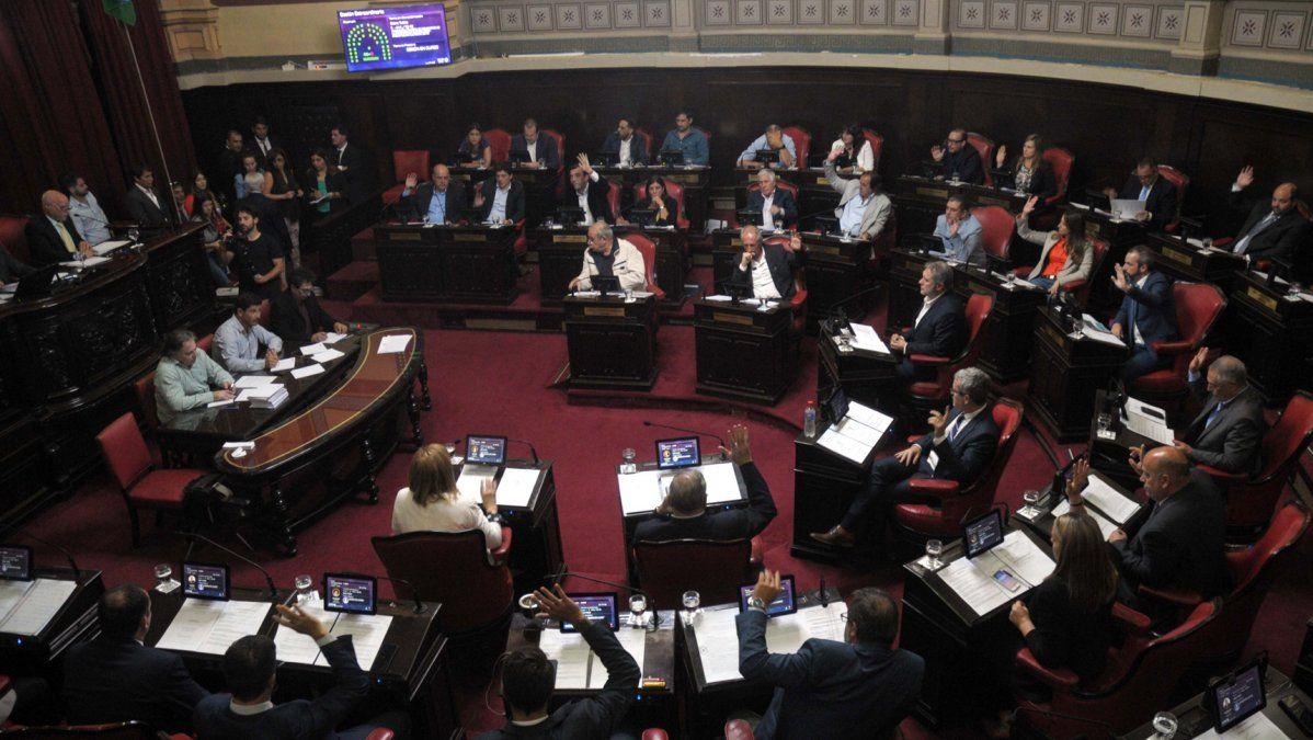 Con el respaldo de la oposición, Vidal logró la aprobación del Presupuesto y un endeudamiento por $ 68.500 millones