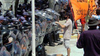 La oposición repudió la represión en Formosa, apuntó contra Insfrán y pidió que el Gobierno intervenga