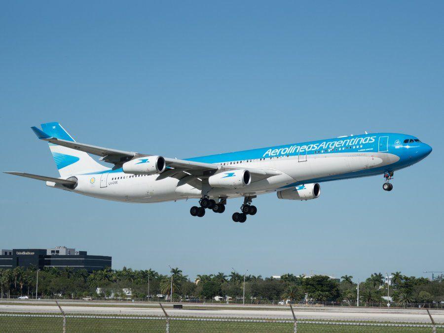Coronavirus: activaron el protocolo de seguridad en Ezeiza en un vuelo de Aerolíneas proveniente de Miami