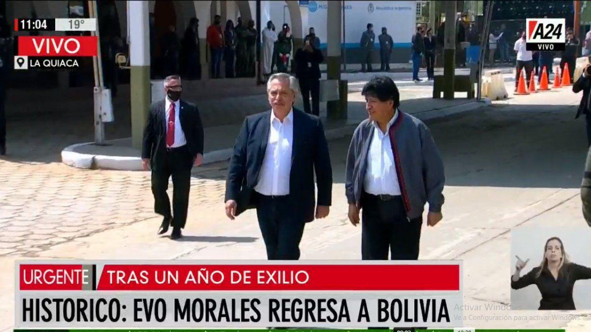 Evo Morales regresó a Bolivia, desde la Argentina, acompañado por el presidente Alberto Fernández