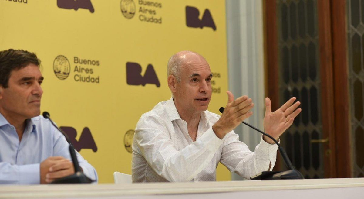 El decreto que busca priorizar a los pacientes con Covid-19 será publicado este viernes en el BO y lleva la firma de Horacio Rodríguez Larreta y Fernán Quirós. (Foto: captura de TV)