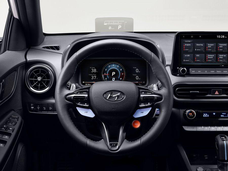 El Hyundai Kona N está equipado con un nuevo sistema de infoentretenimiento y una instrumentación digital