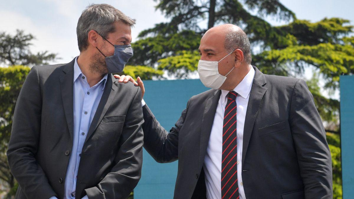 Matías Lammens y Juan Manzur participaron de un acto con clubes barriales. (Foto: Jefatura de Gabinete).