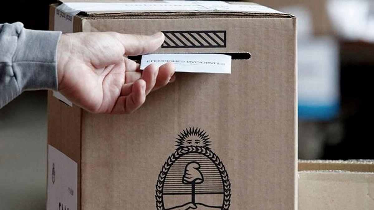 Se estima que en la gran mayoría de los establecimientos no podrán ingresar más de 3 electores por mesa de votación