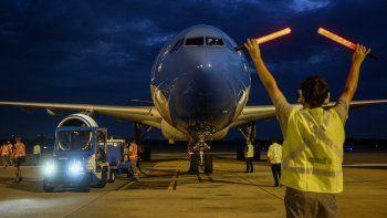 Parte el primero de los tres vuelos a China que traerán un millón de vacunas Sinopharm
