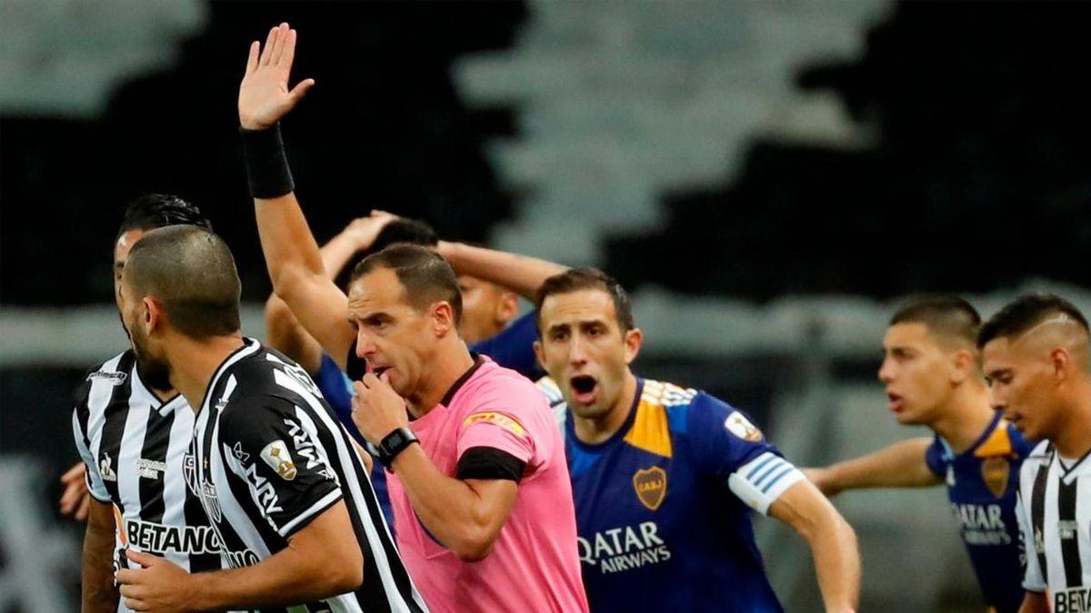 Copa Libertadores: por esto le anularon, de forma escandalosa, el gol a Boca contra Atlético Mineiro