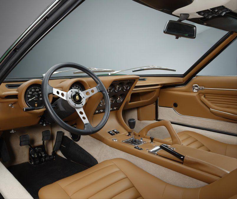 El interior del Lamborghini MiuraSV tiene mejores acabados y un aspecto más moderno que el de las versiones anteriores