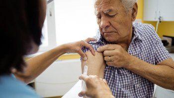 Colapsó el sistema de inscripción de la Ciudad para la vacuna a adultos mayores de 80