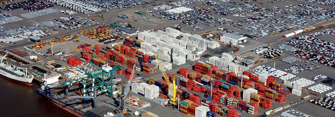 Los autos se están acumulando en el Puerto de Zárate y el sector automotriz está a ritmo muy lento