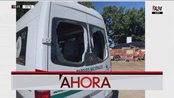 Así quedó la camioneta que trasladaba al Presidente, quien había estado presente en el comando de operaciones montado tras los incendios que se produjeron en la zona (Foto: captura de TV).