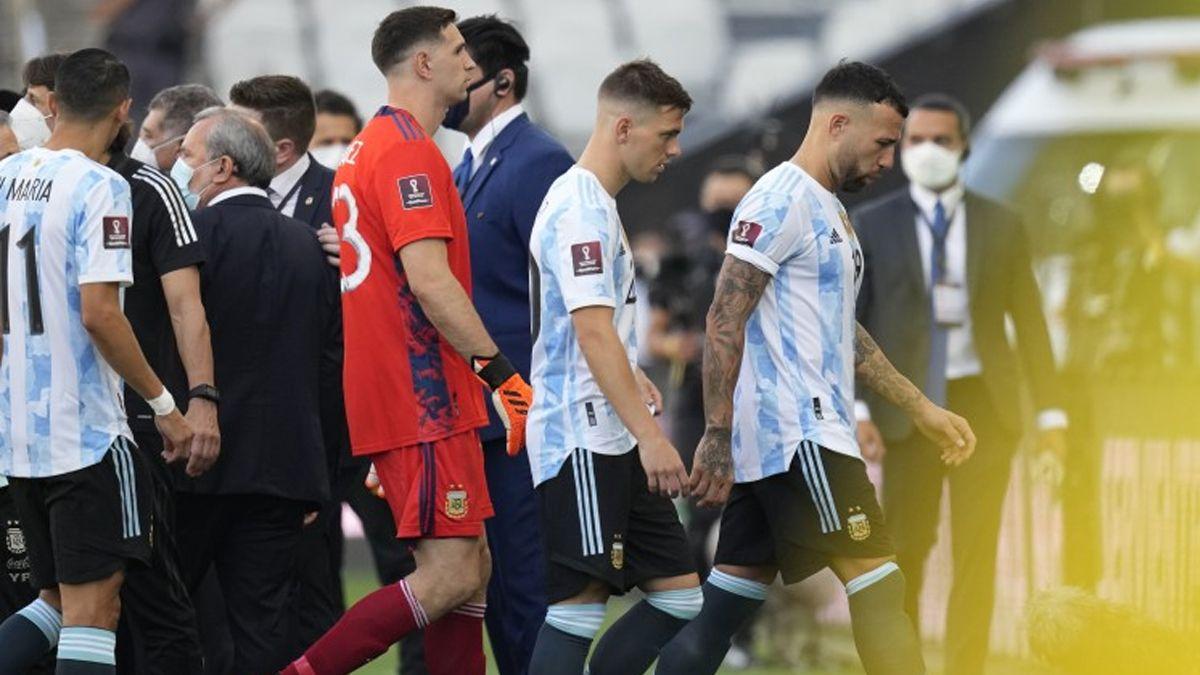 Las autoridades sanitarias suspendieron el partido entre Brasil y Argentina.