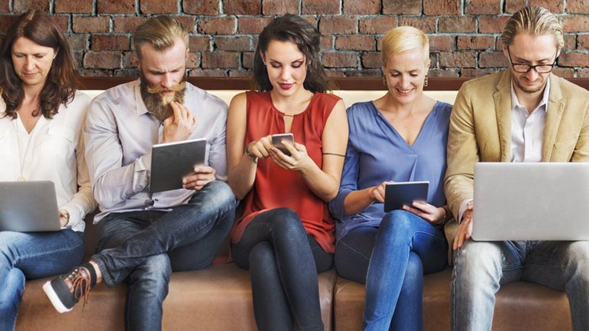 El síndrome del text neck se produce por el uso de celulares